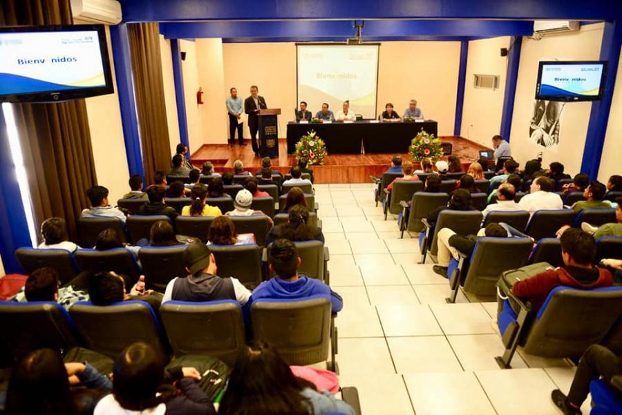 Bienvenida a los alumnos de nuevo ingreso de la Escuela de Gestión y Autodesarrollo indígena
