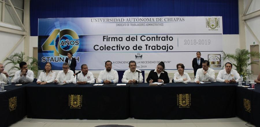 Firma del Contrato Colectivo de Trabajo 2018 - 2019 del STAUNACH