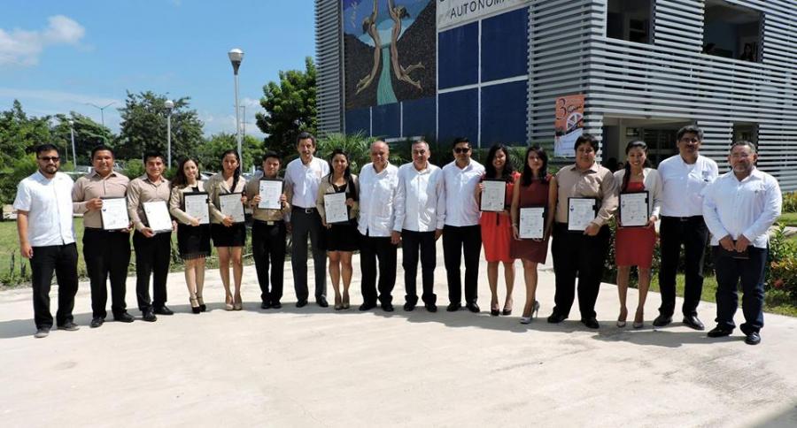 Ceremonia de Graduación de las Licenciaturas en Física y Matematicas